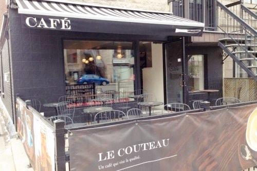 """Terrasse dans la rue """"Le Couteau"""""""